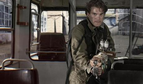 "Emile Hirsch fights aliens in Moscow in ""The Darkest Hour.''"